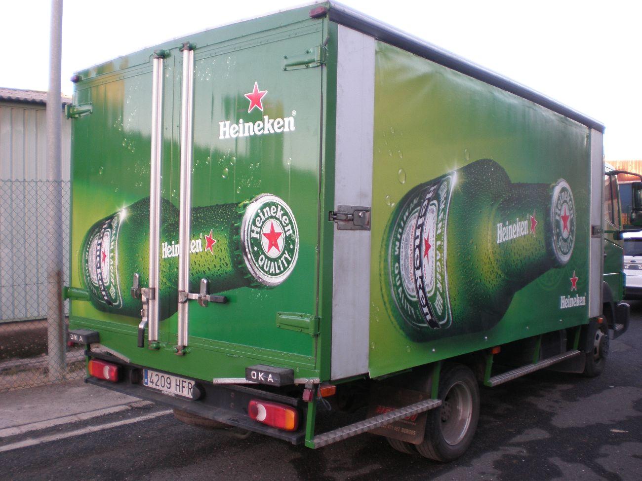 Rotulación de Camiones Rotulamos de forma parcial o integral cualquier tipo de automóvil o turismo, tanto con fines decorativos como con fines publicitarios.